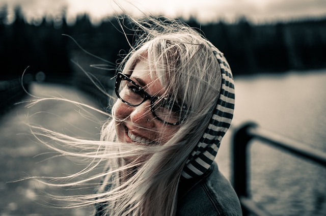 une femme heureuse