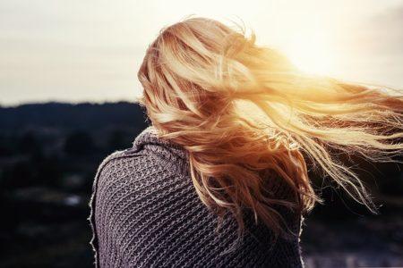 Faites pousser vos cheveux plus vite que jamais   jusqu à 2 cm semaine ! db0356950b83