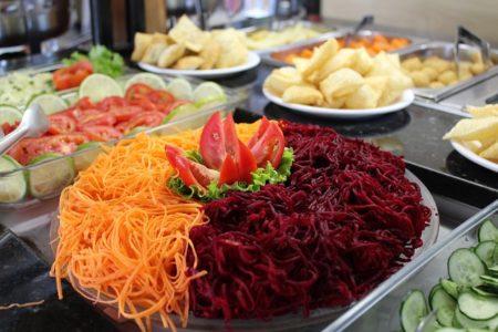 des salades fraîches