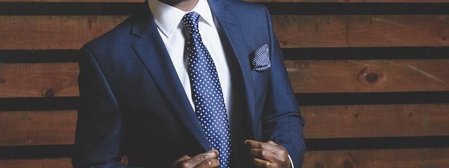 homme élégant en chemise
