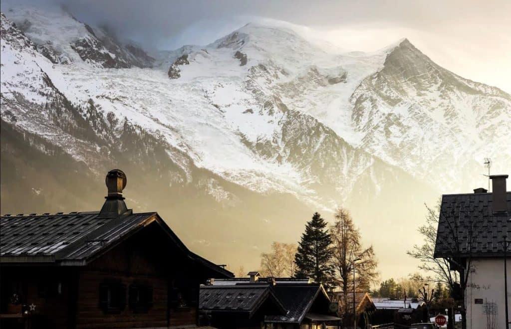 magnifique paysage de montagne en hiver
