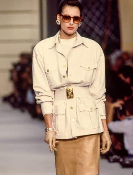 femme avec un look vintage