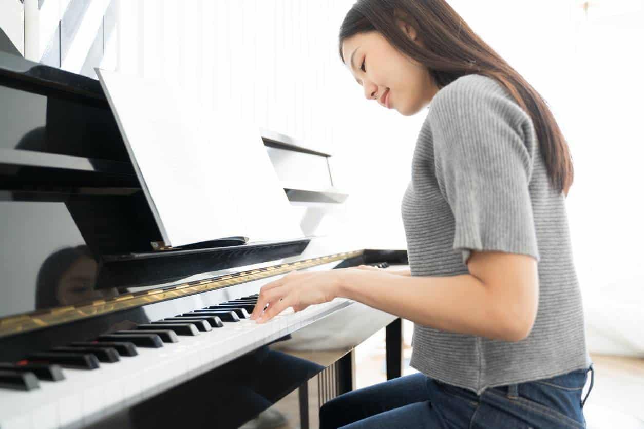piano adolescent
